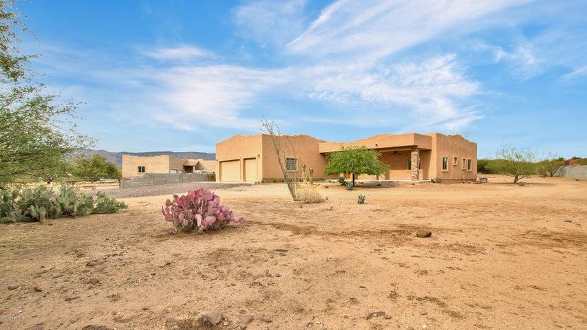 43905 N 16TH Street, New River, AZ 85087