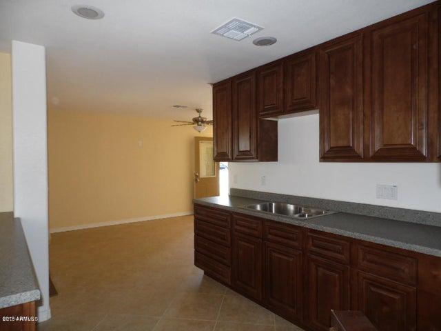 1766 W UNIVERSITY Drive, Mesa, AZ 85201