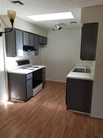 9020 W HIGHLAND Avenue, 110, Phoenix, AZ 85037