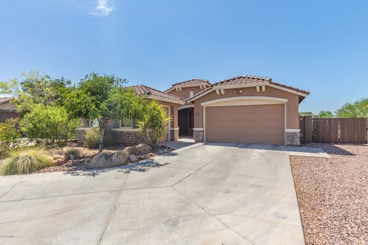 41652 N HUDSON Court, Anthem, AZ 85086