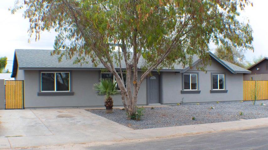 6326 W BERRIDGE Lane, Glendale, AZ 85301
