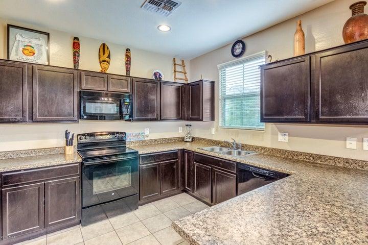7754 W PIPESTONE Place, Phoenix, AZ 85035