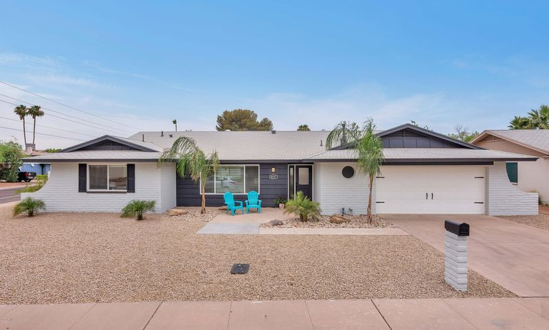 Corner Lot - Biking Distance to Old Town Scottsdale, Parks. Walking Distance to School.
