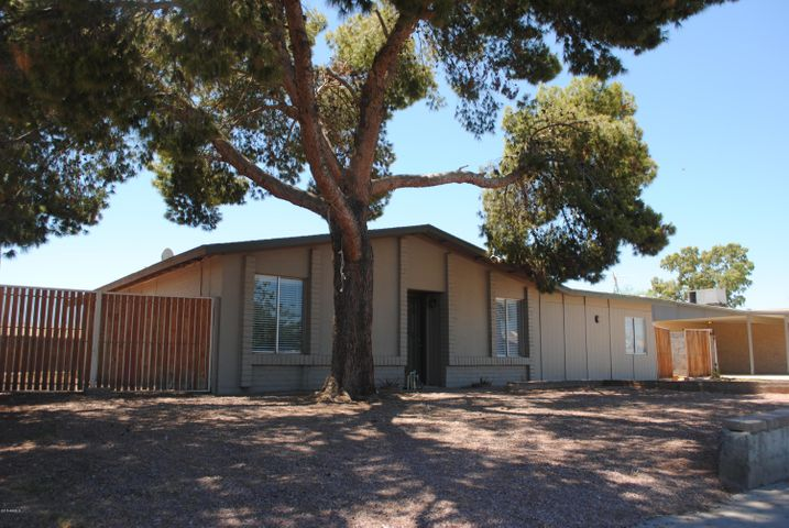 5518 N 69TH Avenue, Glendale, AZ 85303