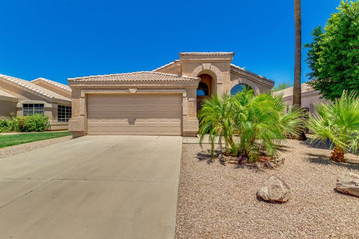 1744 E PALOMINO Drive, Gilbert, AZ 85296