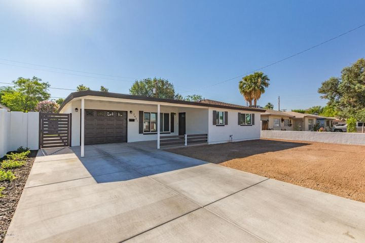 2401 N 37TH Way, Phoenix, AZ 85008
