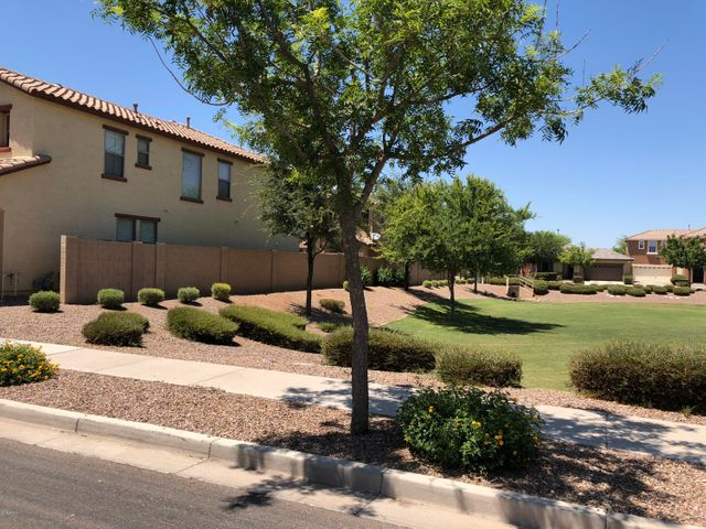 3268 E CARLA VISTA Drive, Gilbert, AZ 85295