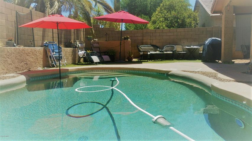 4330 E LONE CACTUS Drive, Phoenix, AZ 85050