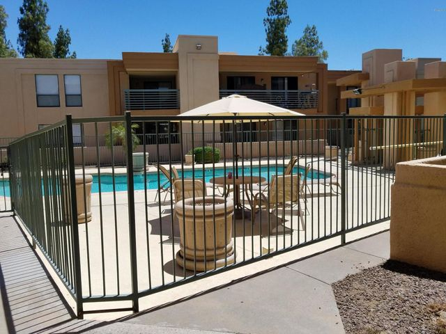 3420 W DANBURY Drive, C230, Phoenix, AZ 85053