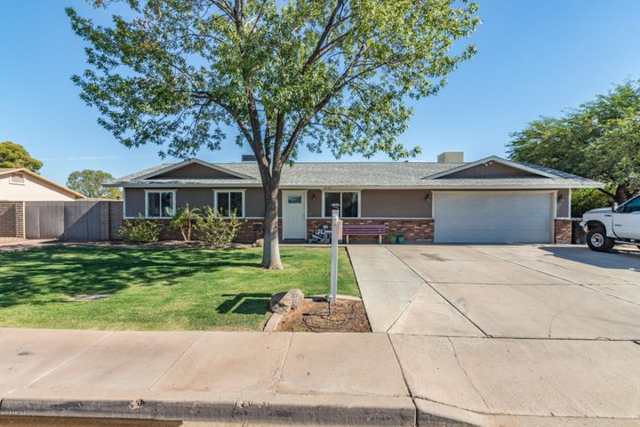 2733 E INVERNESS Avenue, Mesa, AZ 85204
