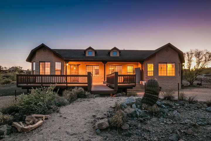 1745 W Sunset Drive, New River, AZ 85087
