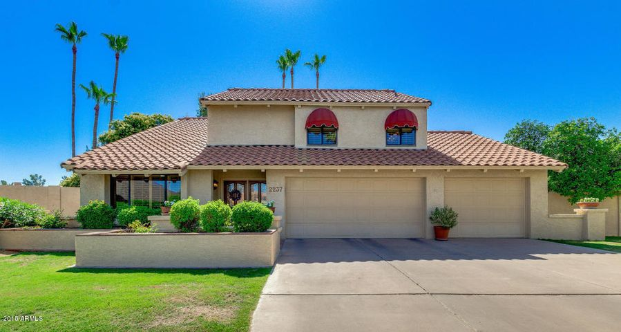 2237 S CATARINA Circle, Mesa, AZ 85202