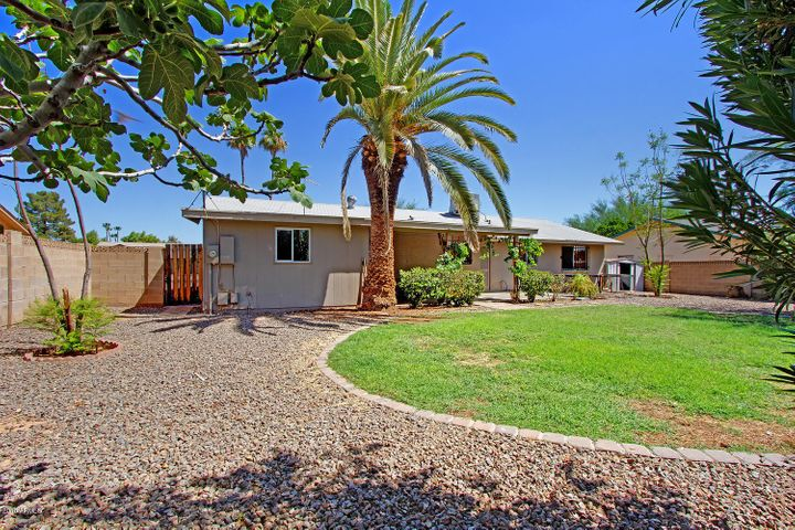 3045 E SIERRA Street, Phoenix, AZ 85028
