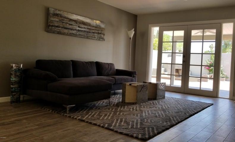 8644 E LAREDO Lane, Scottsdale, AZ 85250