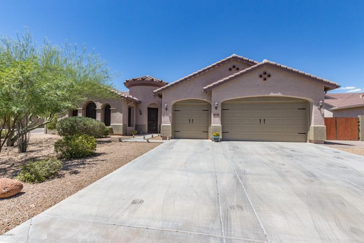 4708 W BARKO Lane, New River, AZ 85087