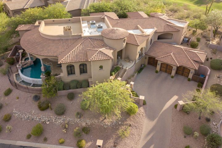 Aerial view shows 900 sqft Rooftop 360 degree Viewing Deck