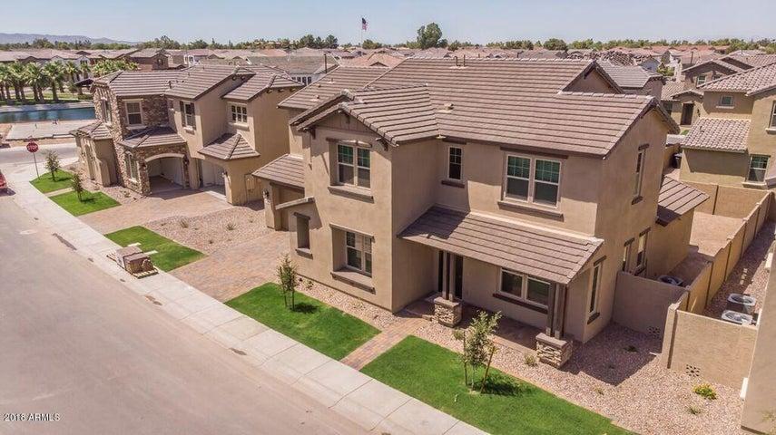940 W YOSEMITE Drive, Chandler, AZ 85248