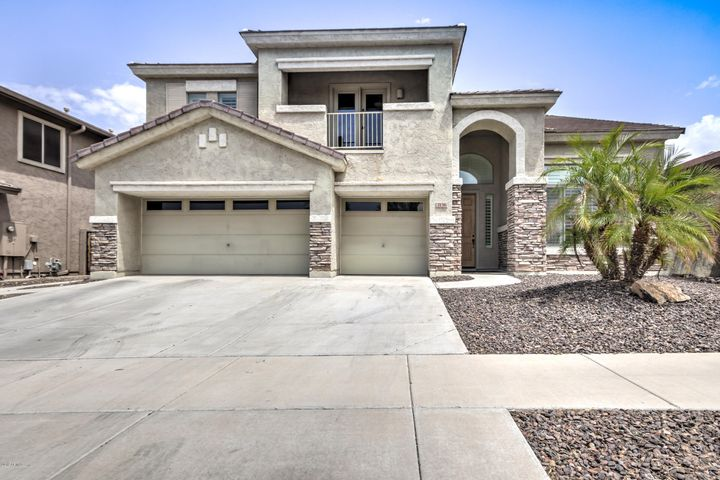 2136 W EAGLE FEATHER Road, Phoenix, AZ 85085