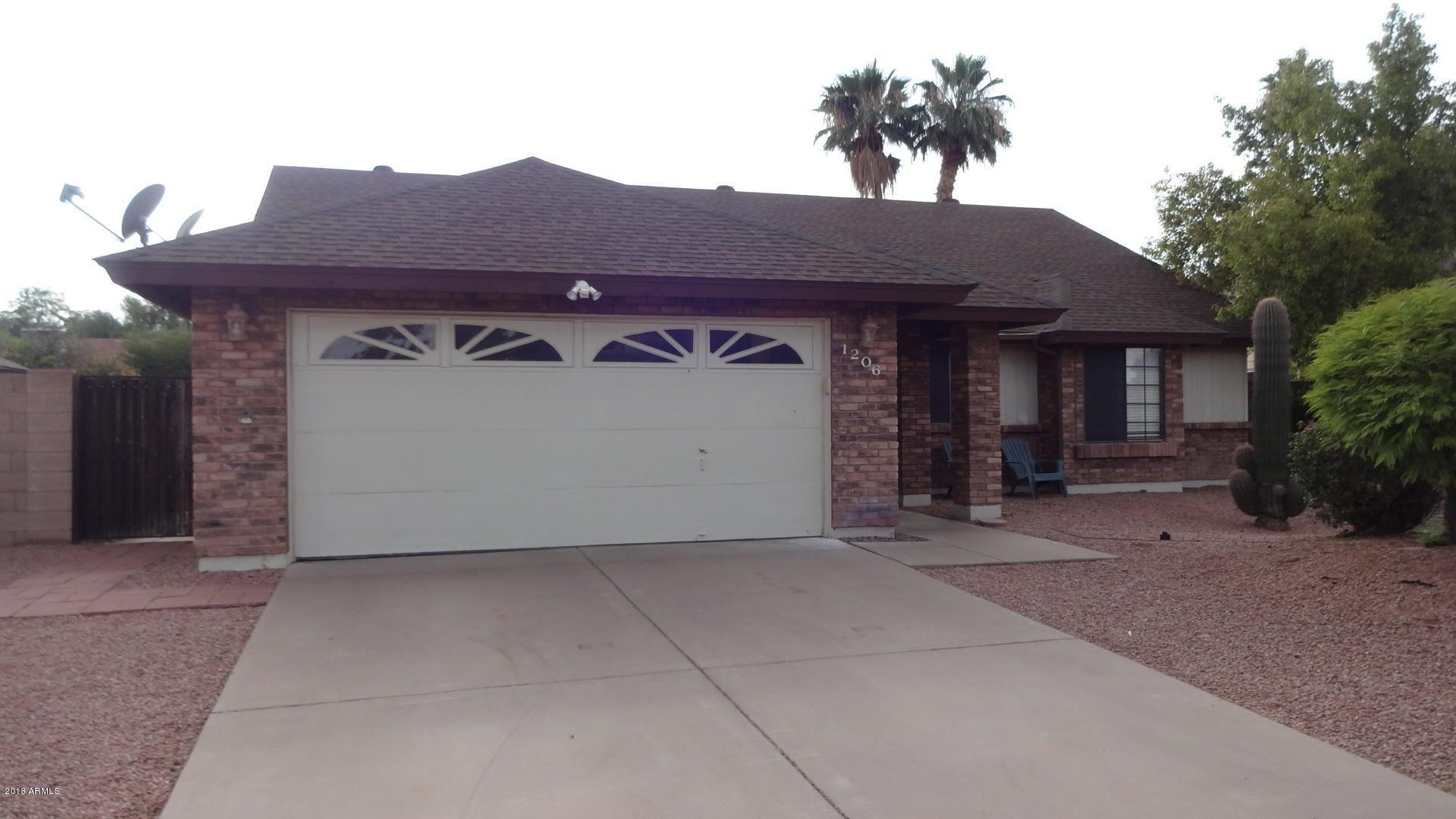 1206 N LAKESHORE Drive, Chandler, AZ 85226