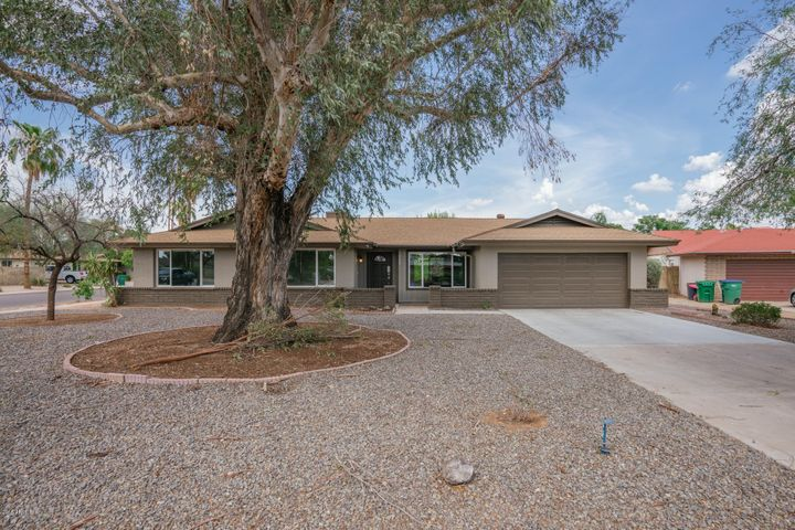 243 S CASCADA Circle, Litchfield Park, AZ 85340