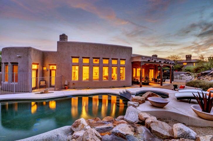 14421 S CANYON Drive, Phoenix, AZ 85048