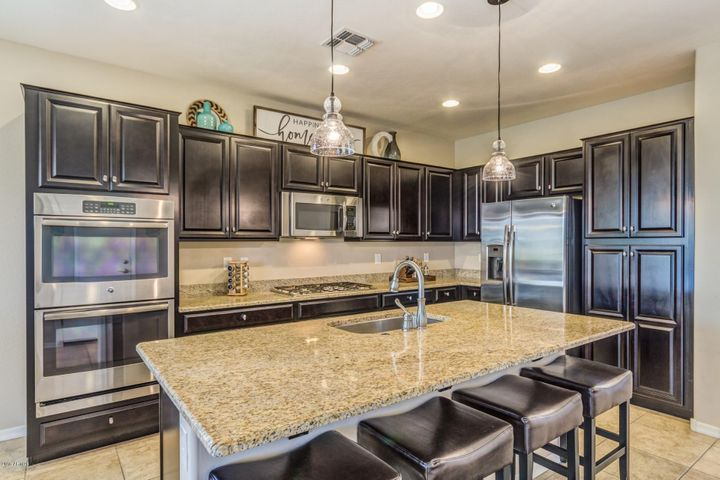 310 N 79th Way, Mesa, AZ 85207