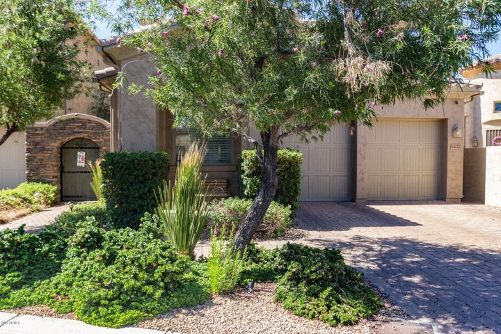 Amazing Palm Valley 4 Bedroom Home. Amazingly Well Kept and Model-Like
