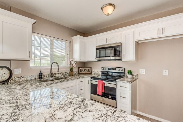 7420 W BECKER Lane, Peoria, AZ 85345