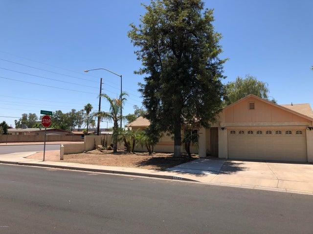 2757 E CONTESSA Street, Mesa, AZ 85213
