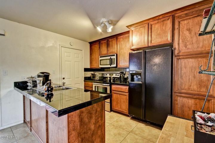 7416 W BERYL Avenue, Peoria, AZ 85345