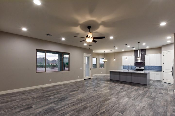 32424 N Apache Avenue, Queen Creek, AZ 85142