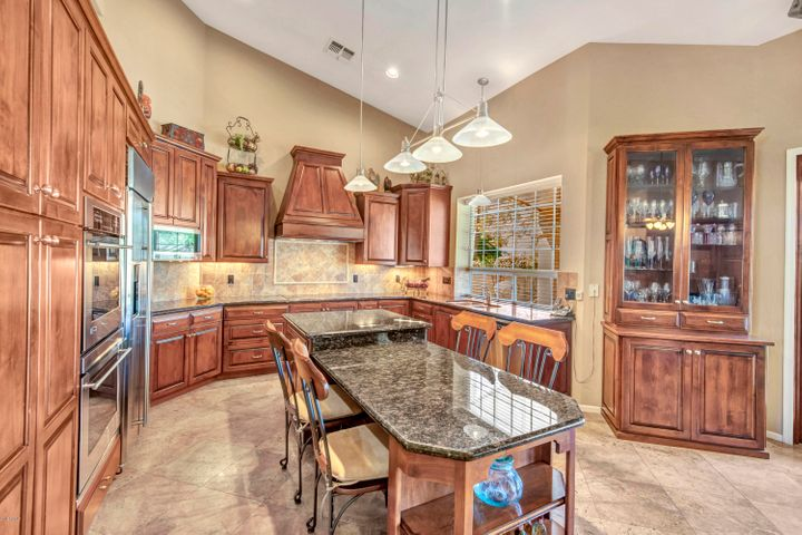 15624 S 15TH Place, Phoenix, AZ 85048