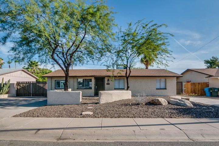 2220 E CLAIRE Drive, Phoenix, AZ 85022
