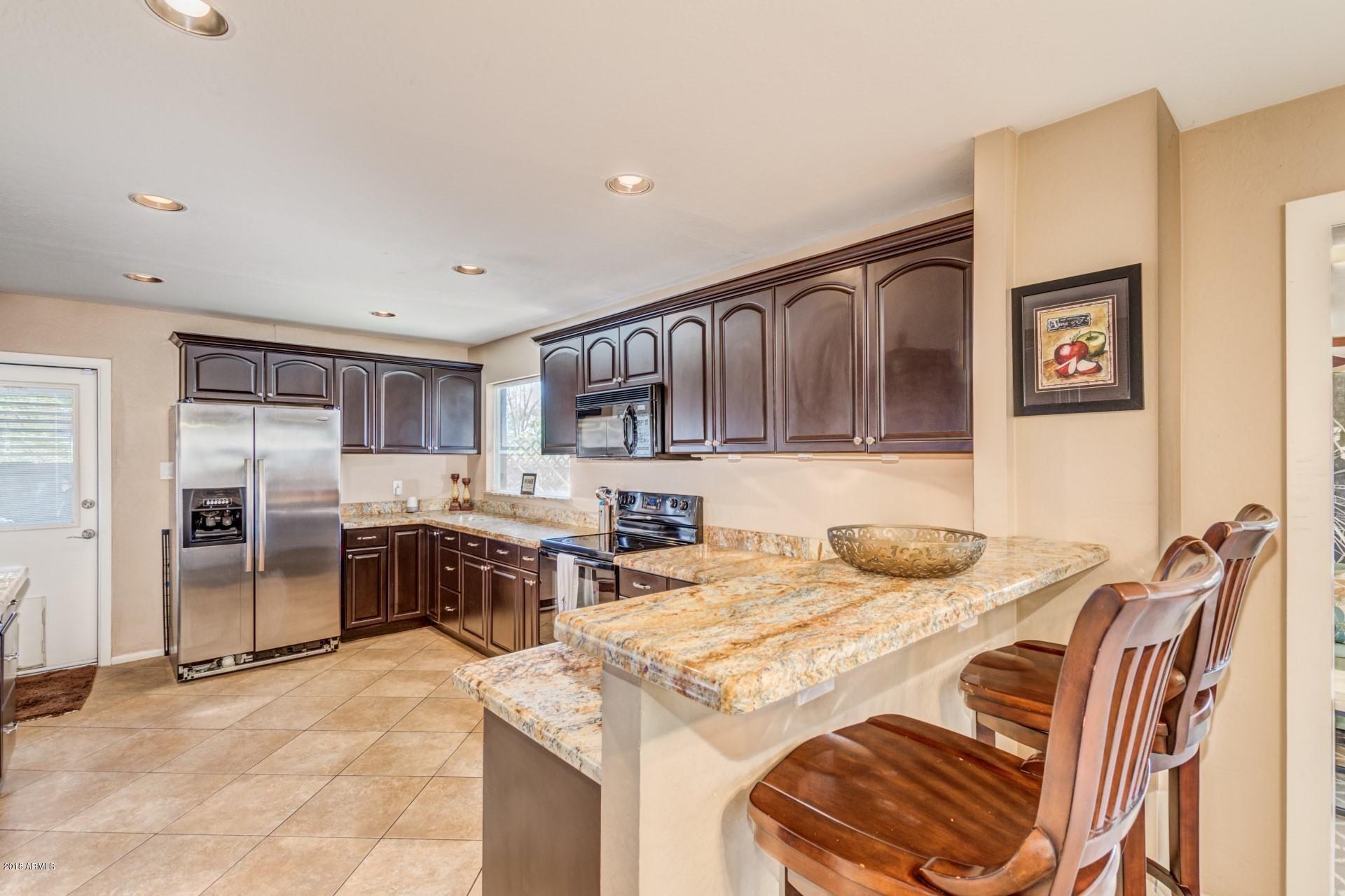 8511 E CAMBRIDGE Avenue, Scottsdale, AZ 85257