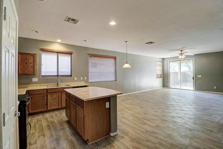 4329 W HEYERDAHL Drive, New River, AZ 85087