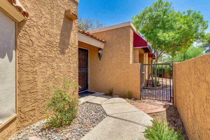 1021 E BECKER Lane, Phoenix, AZ 85020