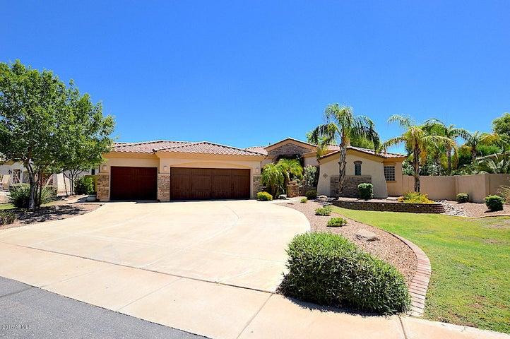 745 E County Down Drive, Chandler, AZ 85249