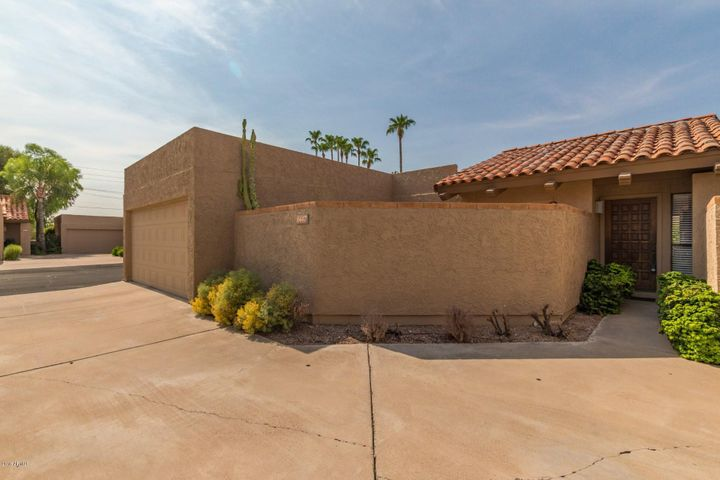 6447 N 77TH Place, Scottsdale, AZ 85250