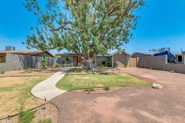 13825 N 11TH Street, Phoenix, AZ 85022