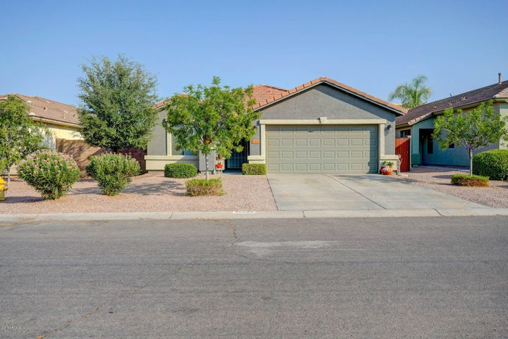 35690 N BELGIAN BLUE Court, San Tan Valley, AZ 85143