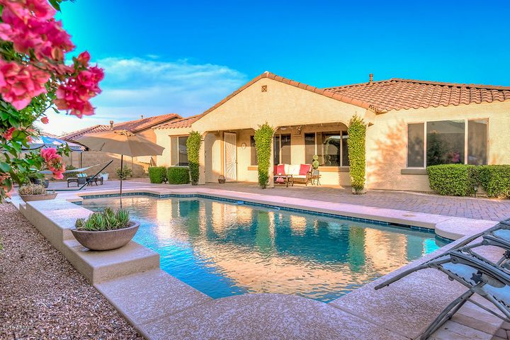 4432 N. 155th Lane Palm Valley Paradise on the Park WELCOME TO YOUR NEW HOME