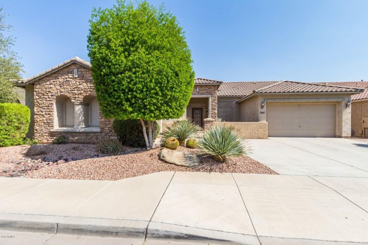 18006 W ROYAL PALM Road, Waddell, AZ 85355