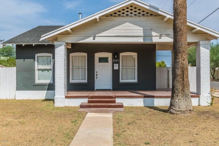 2201 N DAYTON Street, Phoenix, AZ 85006