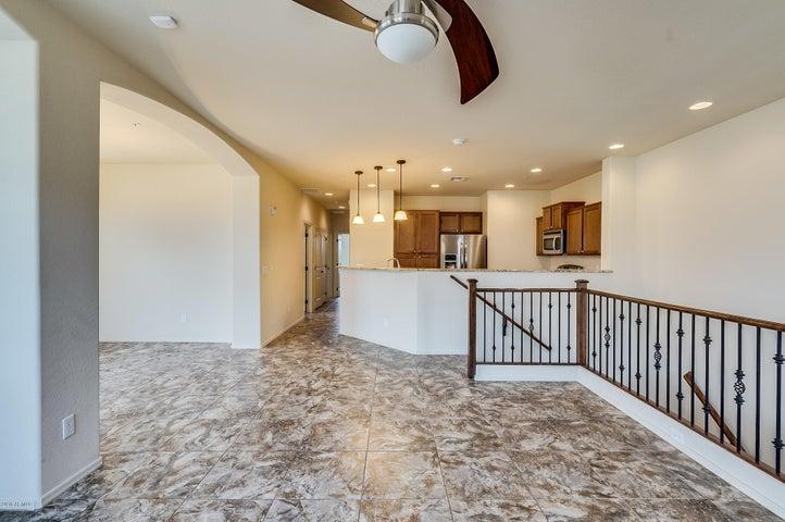 4761 E PORTOLA VALLEY Drive, 101, Gilbert, AZ 85297
