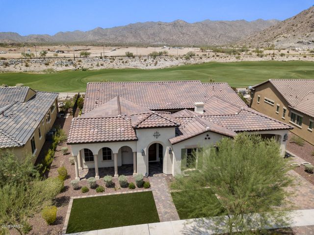 Beautiful golf course and mountain views in Phase One at Victory at Verrado.