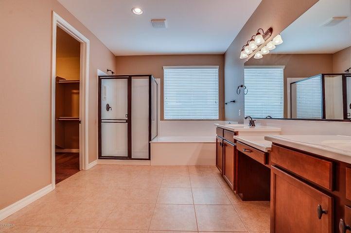 658 W YELLOW WOOD Avenue, San Tan Valley, AZ 85140