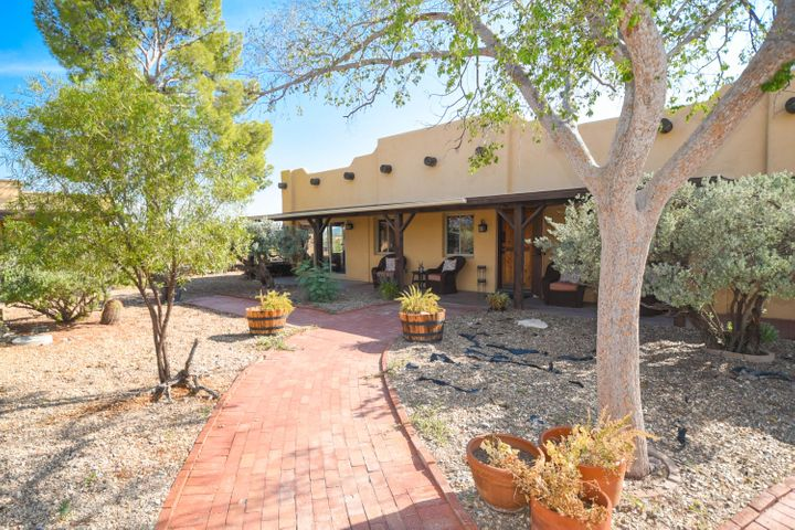 1430 N NORTH FORTY Road, Wickenburg, AZ 85390