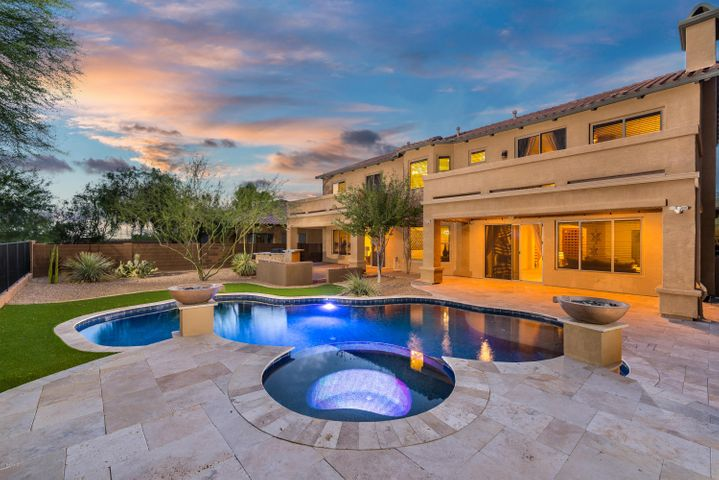 Enjoy having a resort style backyard with mountain and sunset views.