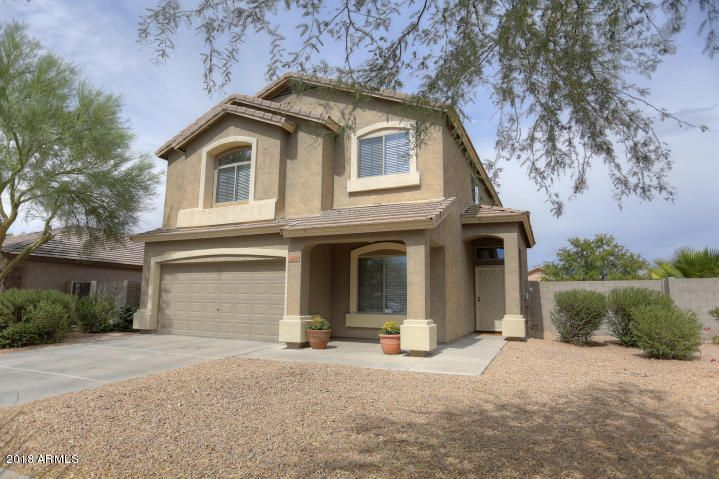 Beautiful Well Kept 2 Level Home With Front Patio And Mountain Views