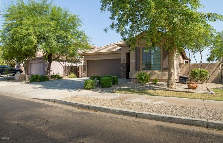 15268 W ROANOKE Avenue, Goodyear, AZ 85395